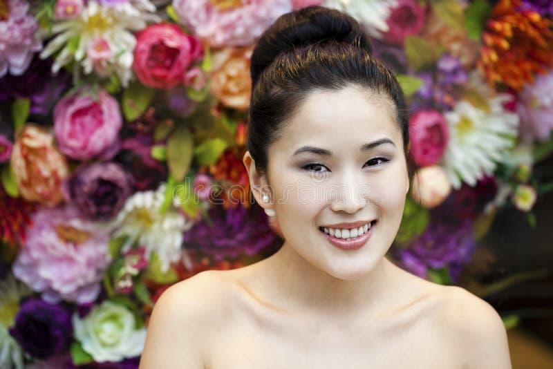 Ασιατικό πορτρέτο προσώπου ομορφιάς με την καθαρή και φρέσκια κομψή κυρία στοκ εικόνα με δικαίωμα ελεύθερης χρήσης