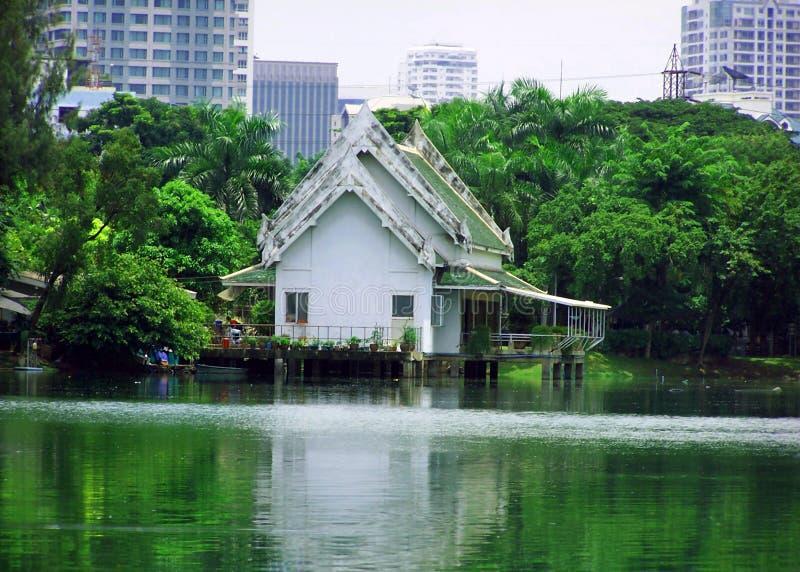 ασιατικό σπίτι πόλεων παλ&alpha στοκ εικόνες