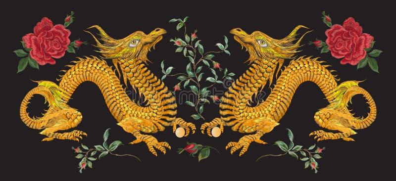 Ασιατικό floral σχέδιο κεντητικής με τους δράκους και τα τριαντάφυλλα ελεύθερη απεικόνιση δικαιώματος