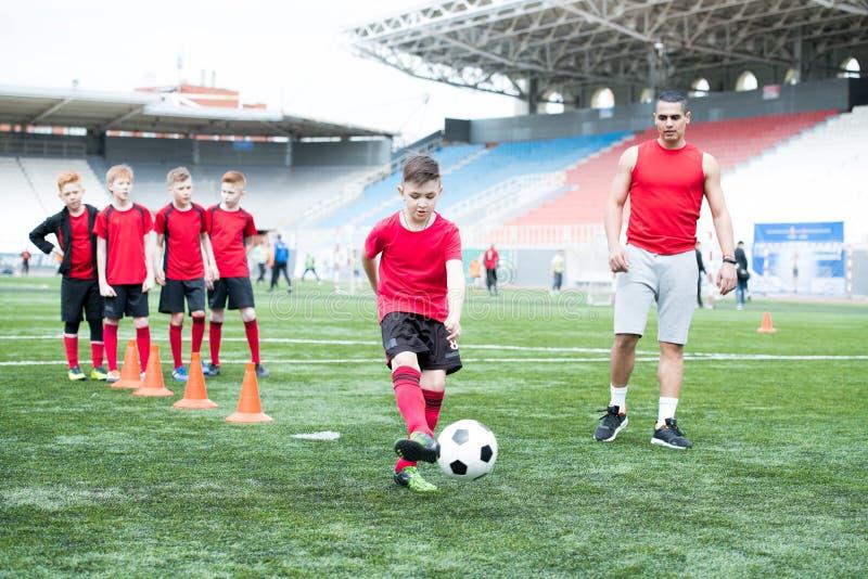 Ασκήσεις ποδοσφαίρου στοκ φωτογραφία