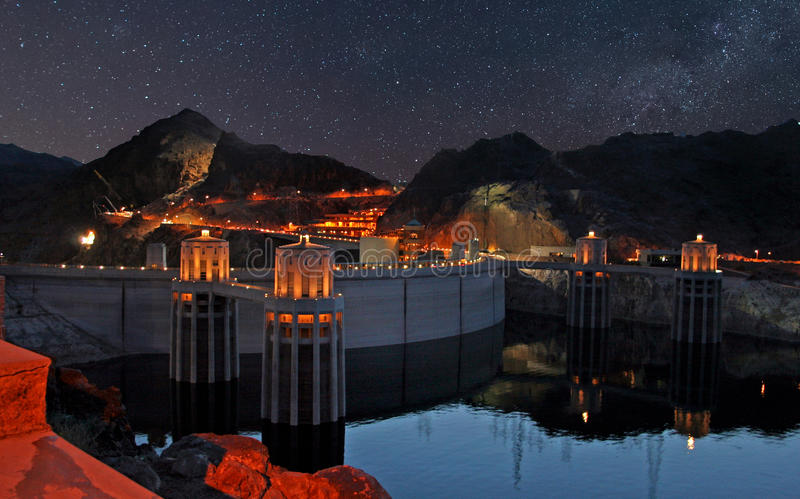 Αστέρια βραδιού πέρα από το φράγμα Hoover στοκ εικόνα με δικαίωμα ελεύθερης χρήσης