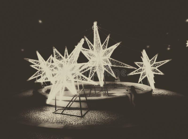 Αστέρια Χριστουγέννων στην πόλη στοκ φωτογραφία