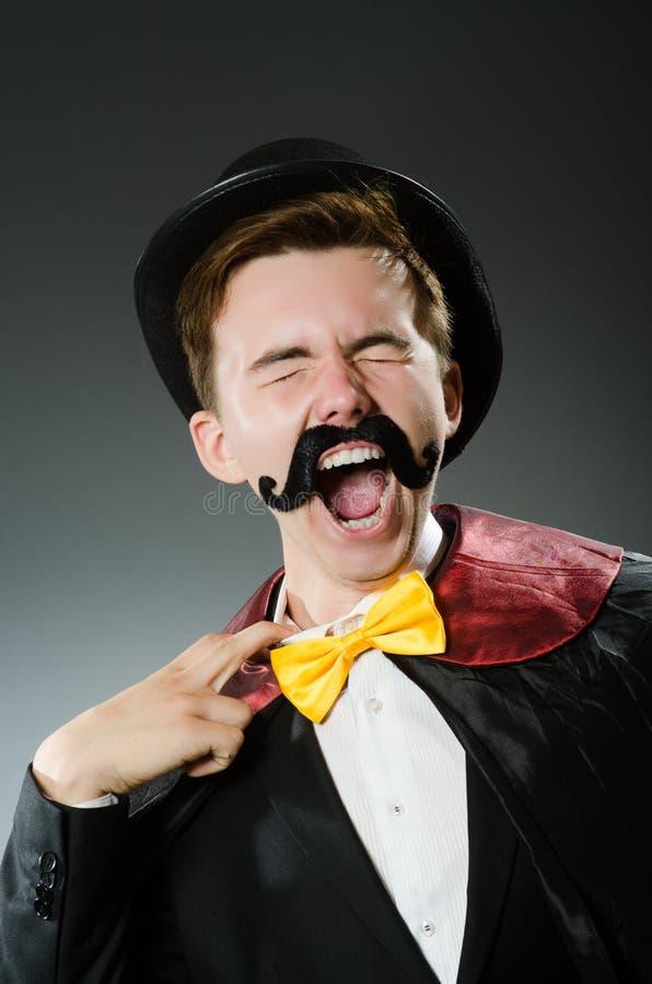 Download Αστείο άτομο μάγων που φορά Tophat Στοκ Εικόνες - εικόνα από ψυχαγωγία, ακτιβισμού: 62706192