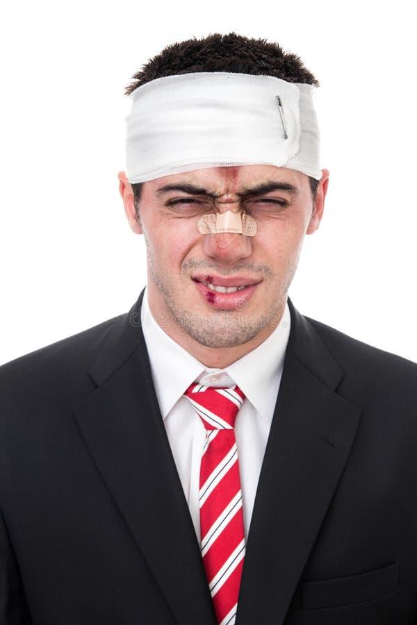 Αστείο άτομο με τις πληγές στο κεφάλι στοκ εικόνες