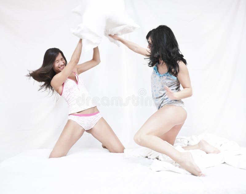 αστείο μαξιλάρι πάλης στοκ φωτογραφίες με δικαίωμα ελεύθερης χρήσης