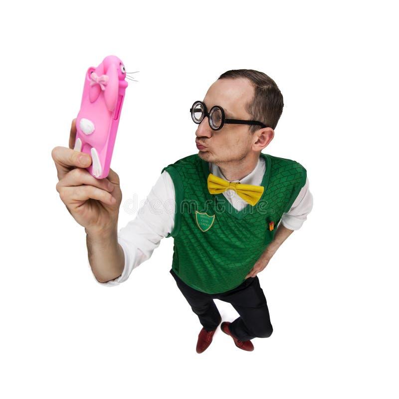 Αστείο nerd που παίρνει selfie στοκ φωτογραφίες