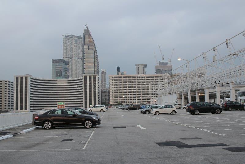 Αστικός υπαίθριος σταθμός αυτοκινήτων στοκ εικόνες με δικαίωμα ελεύθερης χρήσης