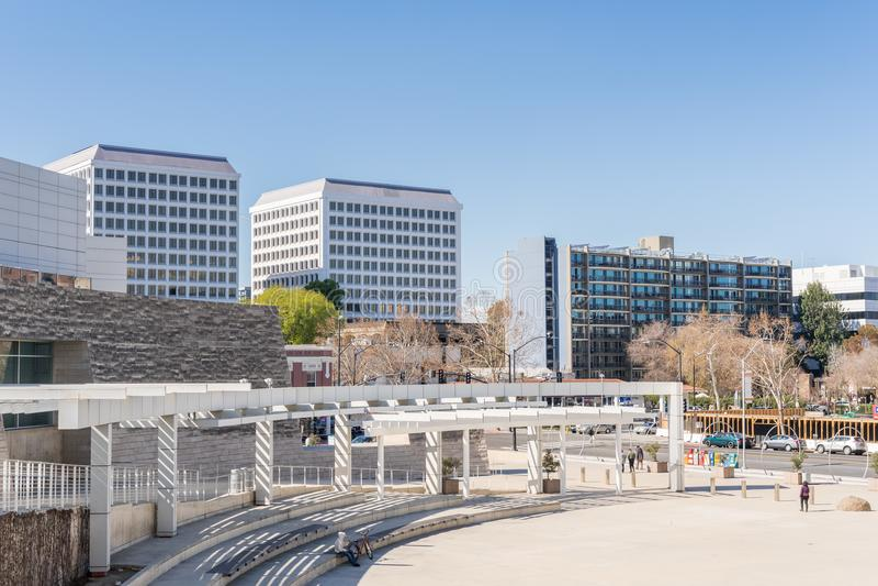 Αστικό τοπίο γύρω από το Δημαρχείο που ενσωματώνει το στο κέντρο της πόλης San Jose στοκ εικόνες