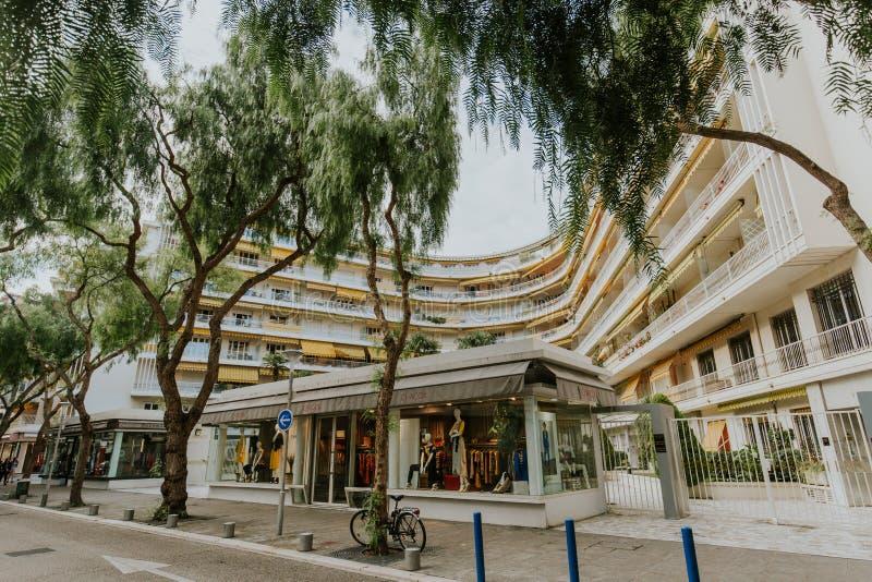 Αστικό τοπίο οδών, άποψη πόλεων, σύγχρονο κτήριο στοκ εικόνες