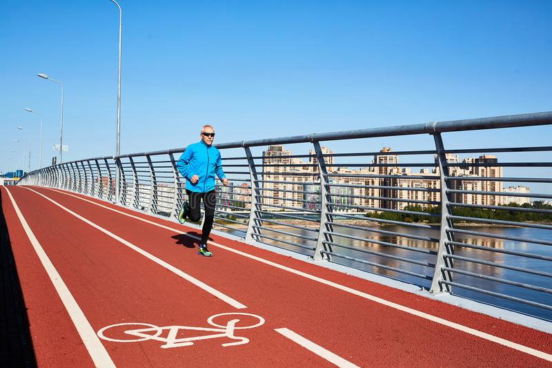 Αστικό sprinter στοκ εικόνα με δικαίωμα ελεύθερης χρήσης