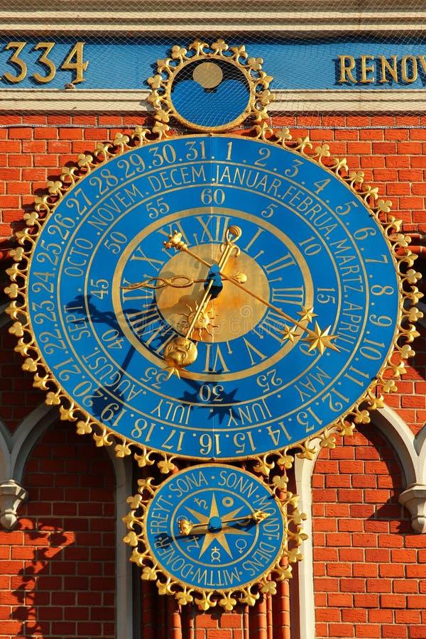 Αστρονομικά ρολόγια στη Ρήγα, Λετονία στοκ φωτογραφίες
