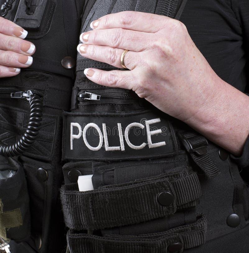 Αστυνομικός που φορά μια τακτική φανέλλα στοκ φωτογραφία με δικαίωμα ελεύθερης χρήσης