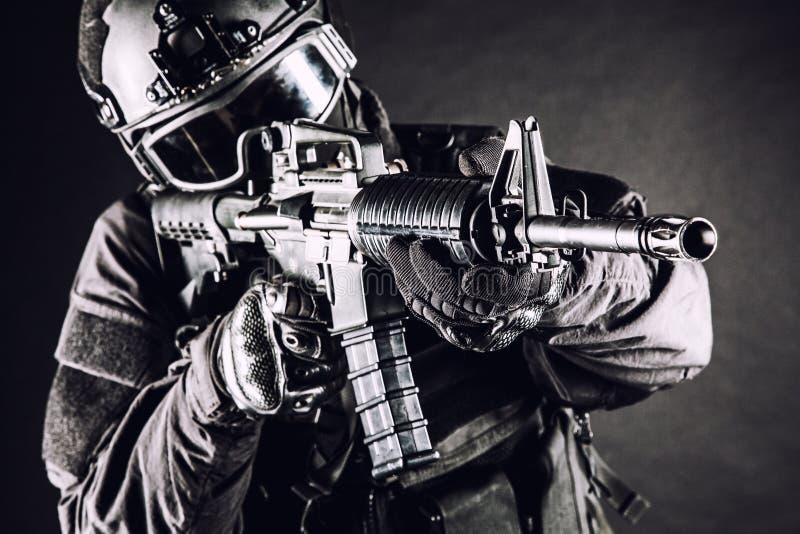 Αστυνομικός SWAT προδιαγραφών ops στοκ εικόνες με δικαίωμα ελεύθερης χρήσης