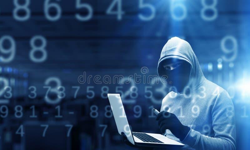 Ασφάλεια δικτύων και έγκλημα μυστικότητας Μικτά μέσα στοκ εικόνα