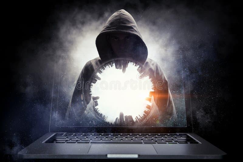 Ασφάλεια δικτύων και έγκλημα υπολογιστών Μικτά μέσα στοκ φωτογραφία με δικαίωμα ελεύθερης χρήσης