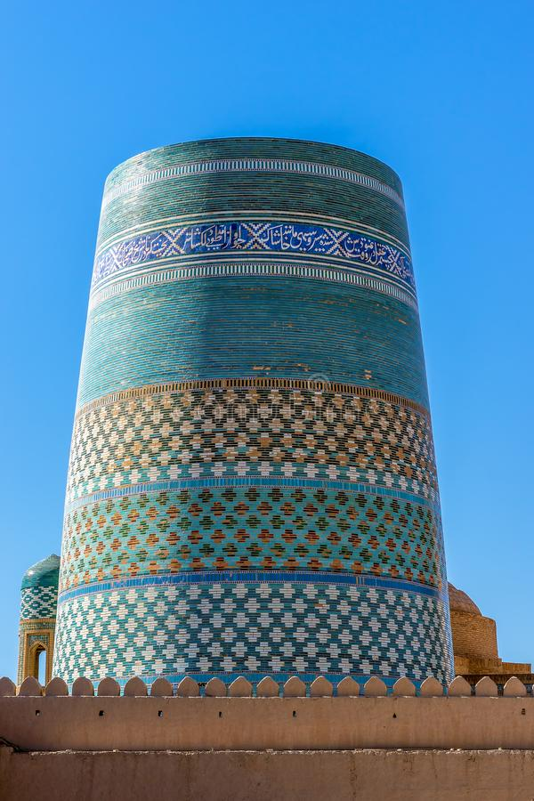 Ατελής δευτερεύων μιναρές Kalta σε Ichan Qala - Khiva, Ουζμπεκιστάν στοκ φωτογραφία