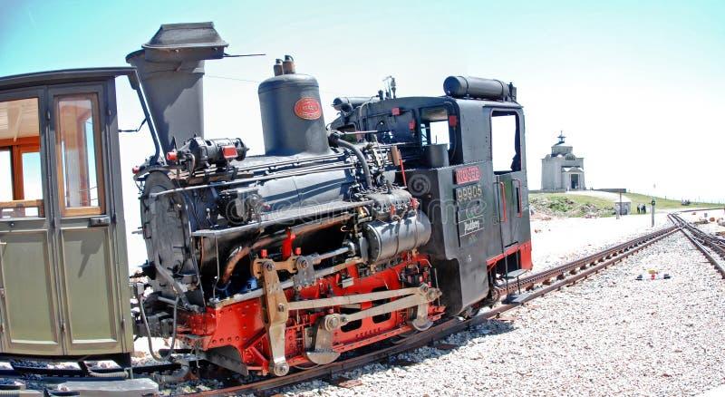 Ατμομηχανή ατμού ραγών βαραίνω στοκ φωτογραφίες