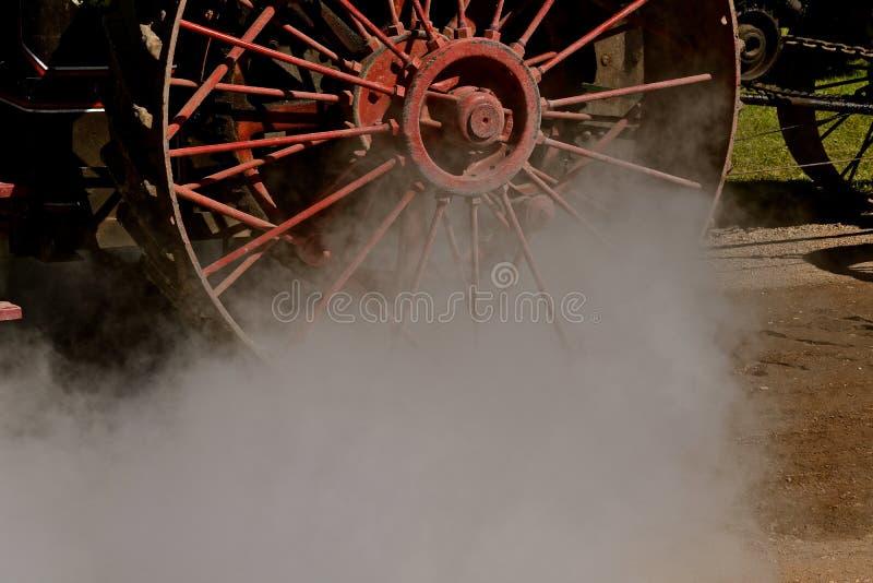 Ατμός που αφήνει το λέβητα μιας μηχανής ατμού στοκ φωτογραφία με δικαίωμα ελεύθερης χρήσης