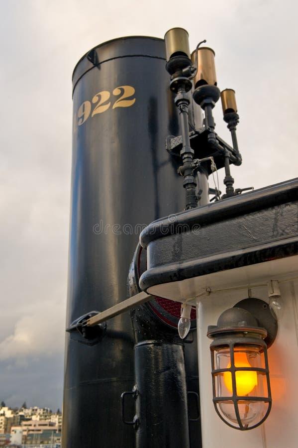 ατμός στοιβών καπνού σκαφών στοκ φωτογραφίες με δικαίωμα ελεύθερης χρήσης
