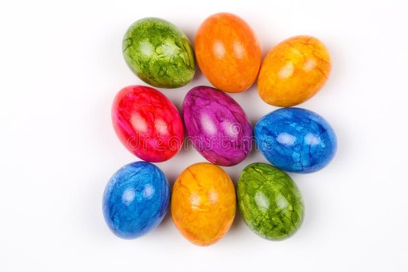 Αυγά Πάσχας σε ένα άσπρο γυαλί στοκ εικόνες