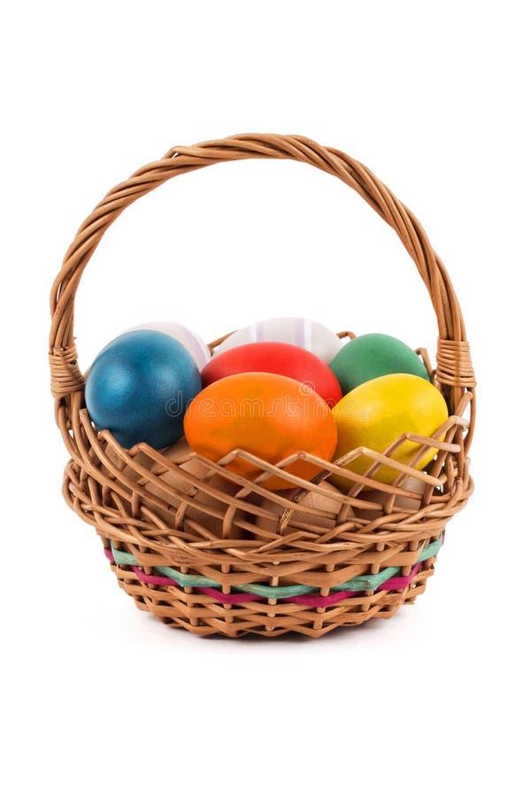 Αυγά Πάσχας σε ένα καλάθι στοκ φωτογραφία με δικαίωμα ελεύθερης χρήσης
