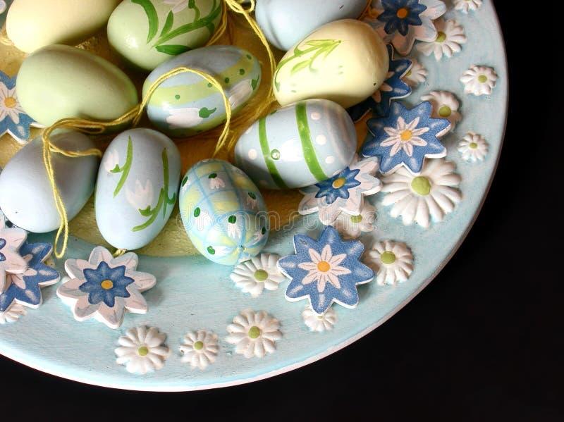 Download αυγά Πάσχας στοκ εικόνες. εικόνα από χρώματα, αυγά, φύλλο - 50304