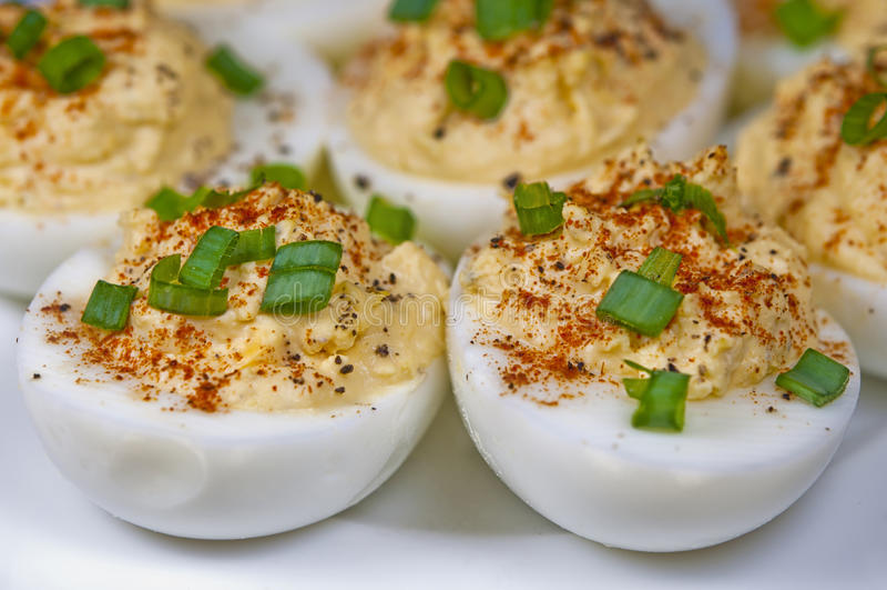 αυγά που γεμίζονται στοκ φωτογραφία
