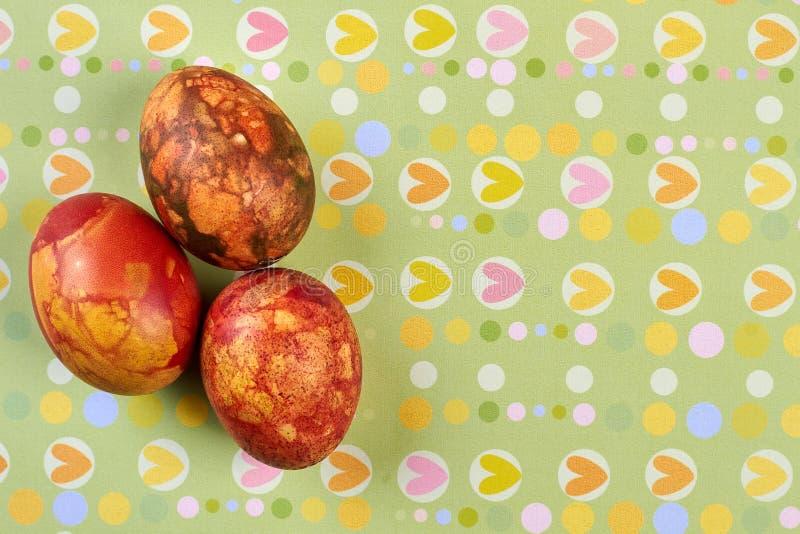 Αυγά στο υπόβαθρο σχεδίων καρδιών στοκ φωτογραφία με δικαίωμα ελεύθερης χρήσης