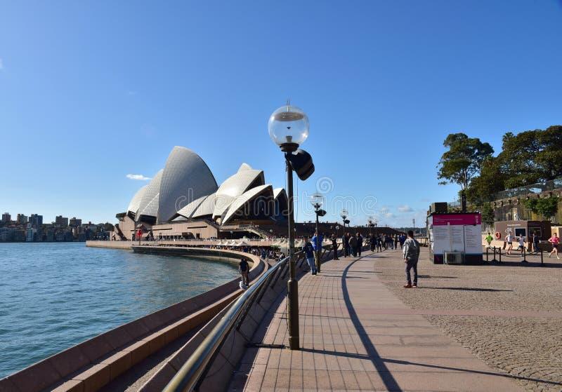 Αυστραλοί Σίδνεϊ - τον Αύγουστο του 2015 Άποψη σχετικά με τη Όπερα και το β στοκ εικόνες με δικαίωμα ελεύθερης χρήσης
