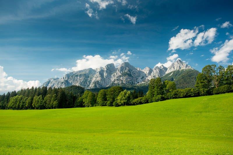 Αυστριακά όρη το καλοκαίρι στοκ εικόνα