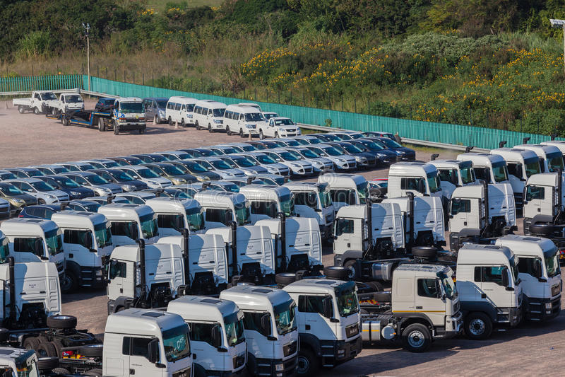 Αυτοκίνητα φορτηγών οχημάτων νέα στοκ εικόνες με δικαίωμα ελεύθερης χρήσης
