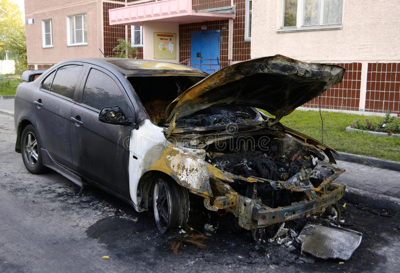 αυτοκίνητο που καίγετα&i στοκ φωτογραφία με δικαίωμα ελεύθερης χρήσης