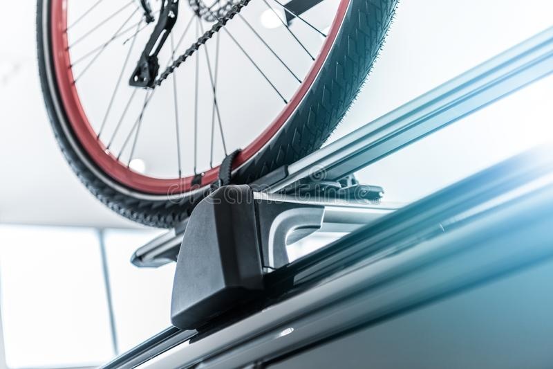 Αυτοκίνητο ράφι ποδηλάτων στοκ φωτογραφία με δικαίωμα ελεύθερης χρήσης
