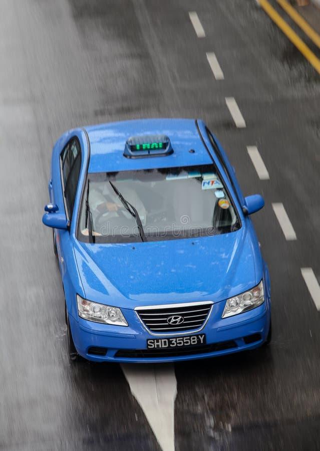 Αυτοκίνητο στη βροχή στοκ εικόνα με δικαίωμα ελεύθερης χρήσης