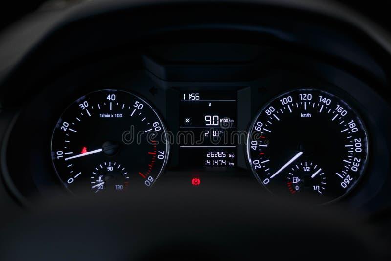 Αυτοκίνητο ταμπλό με ένα όμορφο άσπρο φως στοκ φωτογραφία με δικαίωμα ελεύθερης χρήσης
