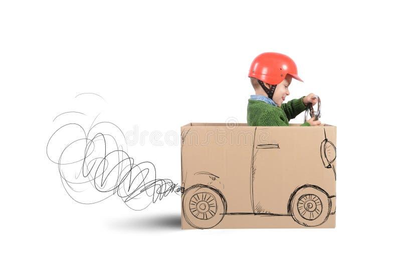 Αυτοκίνητο χαρτονιού στοκ φωτογραφία με δικαίωμα ελεύθερης χρήσης
