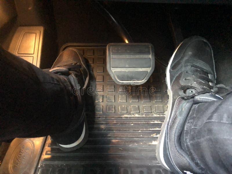αυτοκίνητο copyspace που οδηγεί τη μέσα παρεχόμενη όψη στοκ φωτογραφία