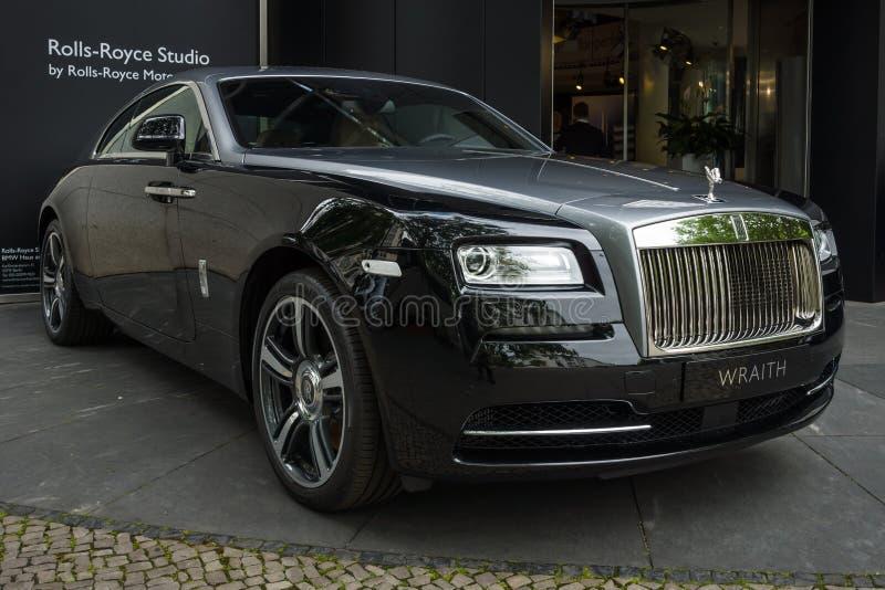 Αυτοκίνητο Rolls-$l*royce Wraith πολυτέλειας φυσικού μεγέθους (από το 2013) στοκ εικόνες