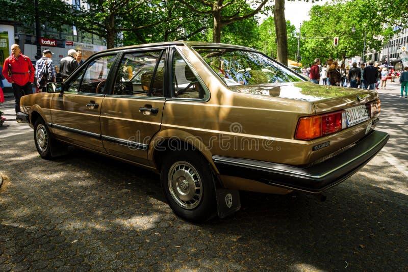Αυτοκίνητο Volkswagen Santana, 1982 μέσος-μεγέθους στοκ εικόνες