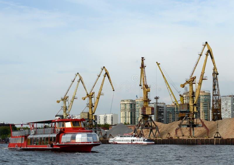 Αυτοκράτορας ` σκαφών αναψυχής ` στη δεξαμενή Khimki στη Μόσχα στοκ εικόνα