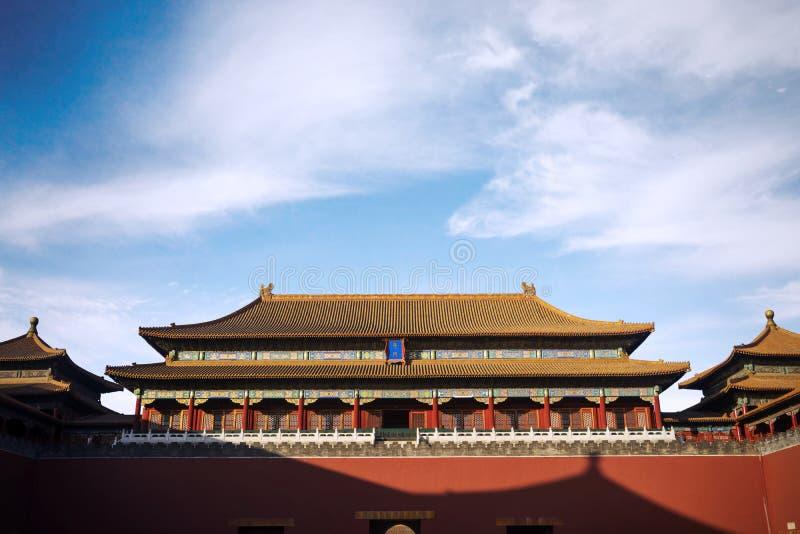 Αυτοκρατορικό παλάτι κάτω από το μπλε ουρανό στοκ εικόνες