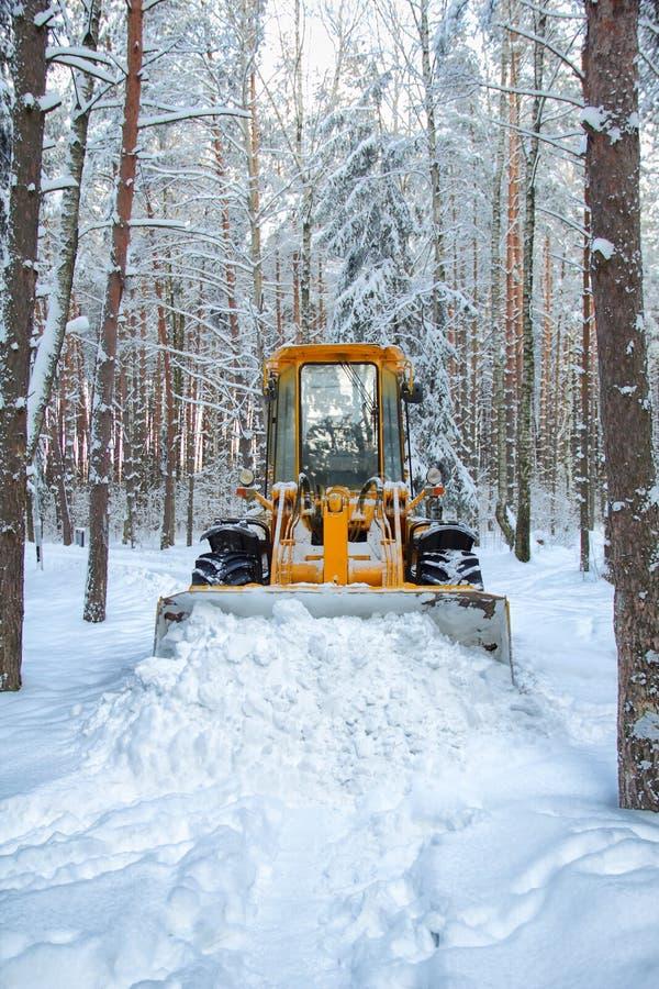 Αφαίρεση χιονιού στοκ εικόνα με δικαίωμα ελεύθερης χρήσης