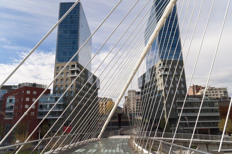 Αφηρημένα γεωμετρικά κτήρια γεφυρών του Μπιλμπάο στοκ εικόνες με δικαίωμα ελεύθερης χρήσης