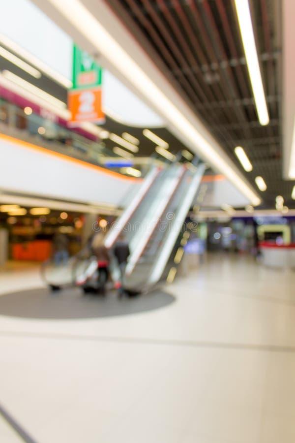 Αφηρημένη εικόνα της υπεραγοράς ή του λόμπι του εμπορικού κέντρου στοκ εικόνες