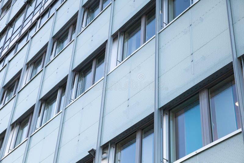 Αφηρημένη πρόσοψη του σύγχρονου γραφείου στοκ φωτογραφία
