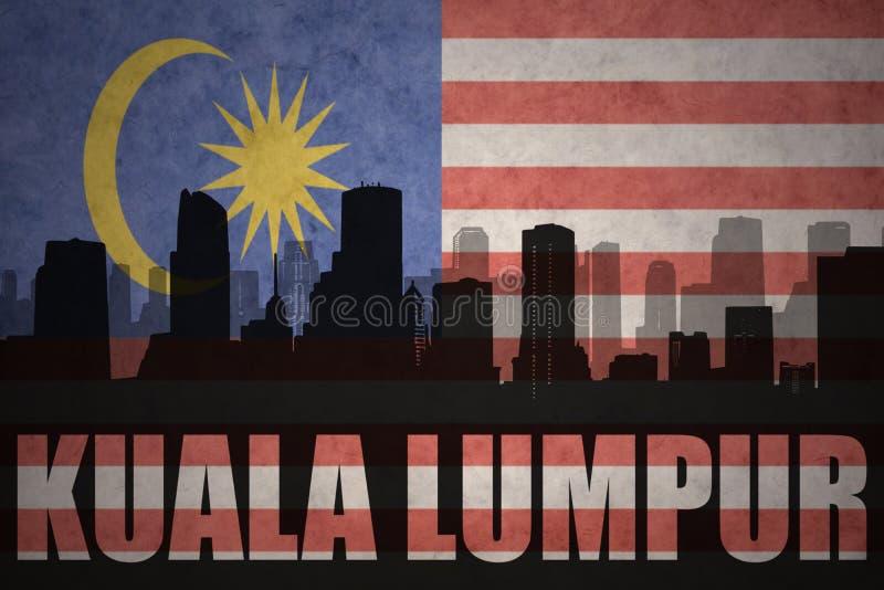 Αφηρημένη σκιαγραφία της πόλης με το κείμενο Κουάλα Λουμπούρ στην εκλεκτής ποιότητας μαλαισιανή σημαία ελεύθερη απεικόνιση δικαιώματος