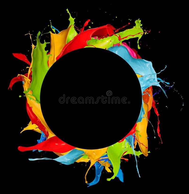 Αφηρημένος κύκλος παφλασμών χρώματος στο μαύρο υπόβαθρο ελεύθερη απεικόνιση δικαιώματος