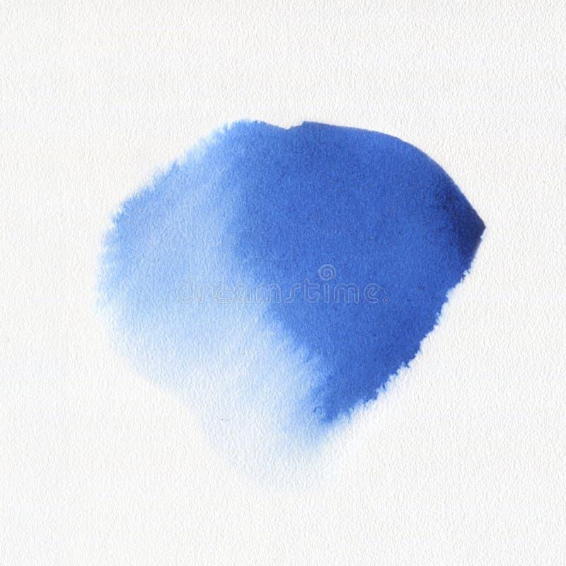 Αφηρημένος watercolor λεκές χρωμάτων τέχνης ακουαρελών συρμένος χέρι μπλε στο άσπρο υπόβαθρο στοκ εικόνα