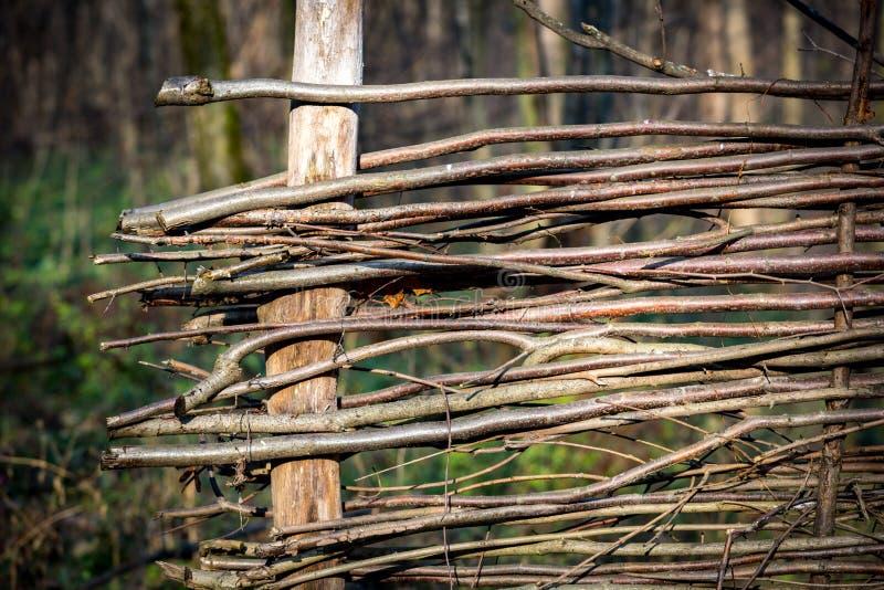 Αφηρημένος wattle ξύλινος φράκτης στοκ εικόνα
