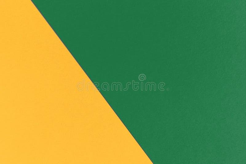 Αφηρημένο γεωμετρικό υπόβαθρο Χριστουγέννων με τα σκοτεινά πράσινα και Orange-Yellow χρώματα ανοίξεων, σύσταση εγγράφου watercolo στοκ φωτογραφίες με δικαίωμα ελεύθερης χρήσης